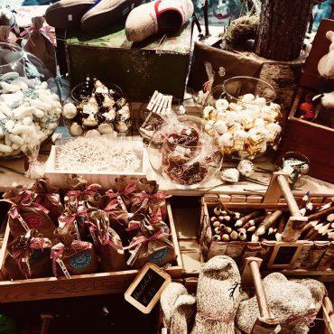 Weihnachten: Geschenke, Souvenirs und Andenken